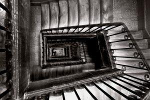 Stairs_in_Madrid_(Spain)_02